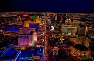 Der berühmte Strip ist mit seinen blendenden Casinos, Luxushotels und Top-Entertainern, die größte Attraktion in Las Vegas.