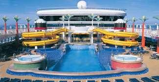 Der Poolbereich auf dem Kreuzfahrtschiff der Norwegian Cruise Line.