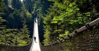 Die Capilano Suspension Bridge ist einen Besuch wert, wenn Sie in Vancouver sind.