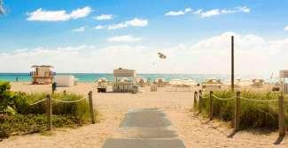 Genießen Sie Ihren Urlaub an den traumhaften Stränden von Miami Beach.
