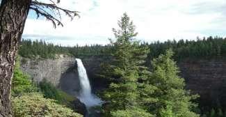 Die Helmcken Falls gehören zu den bekannteren an der Westküste von Kanada.