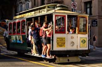 Wussten Sie, dass die Cable Cars in San Francisco ein nationales historisches Wahrzeichen ist?