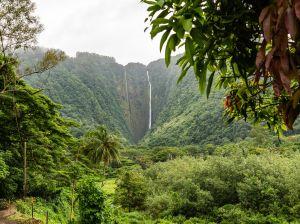 Hiilawe Falls Big Island Hawaii