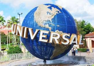 Im Park Universal Studios dreht sich alles um Filme. Für Action sorgen die auf Filme bezogene Achterbahnen und Fahrgeschäfte.