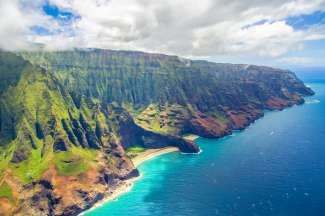 Die Nā Pali Coast ist die zerklüftete Nordwestküste von Kauai.