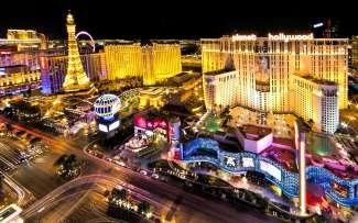 Der berühmte Las Vegas Strip von oben. Wie wäre es mit einem Helikopter Flug über dem Strip?
