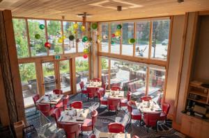 Moose Hotel & Suites Banff